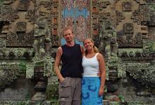 Lars och Anki vid Tempelport, Bali