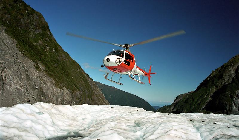 Helikoptern lämnar Fox Glaciär