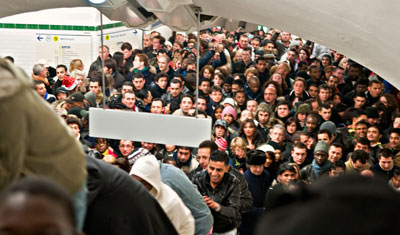 Kaos i metron på väg mot Trocadéro