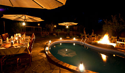 Brasa vid poolen, Murera Springs Eco Lodge, Kenya