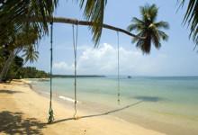 Ao Kao Strand utanför Baan Koh Mak på Koh Mak, Thailand