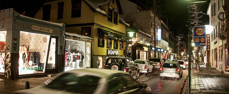Laugavegur gatan i centrala Reykjavik Island