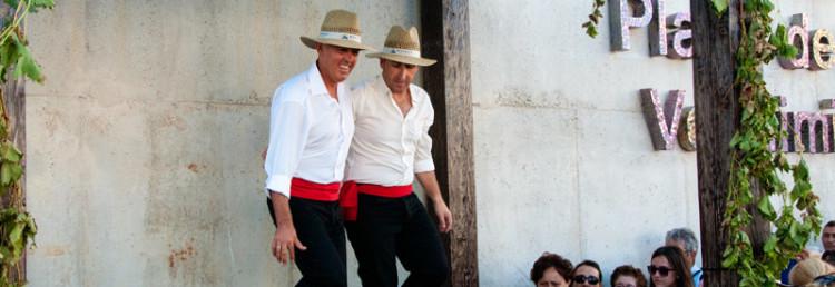 Traditionell fottrampning av vindruvor, Plaza de la Vendimia, Fiesta de la Vendimia i Manilva
