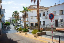 Vy uppifrån Villa de Manilva och Saluhallen