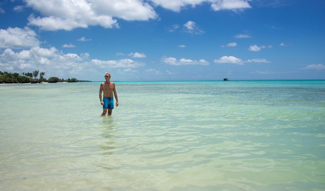 Lars i vattnet vid Panga Ya Watoro Strand