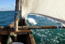 Ngalawa kallas denna typ av båt