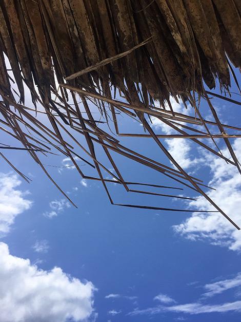 Under parasollen