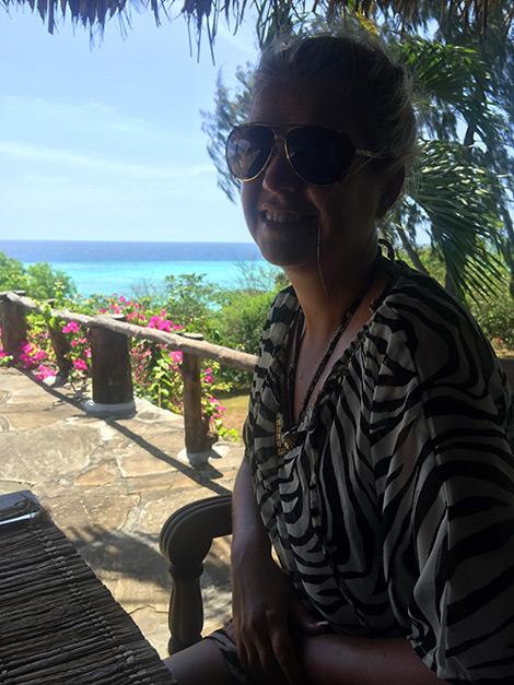 Anki vid lunche på Manta Resort