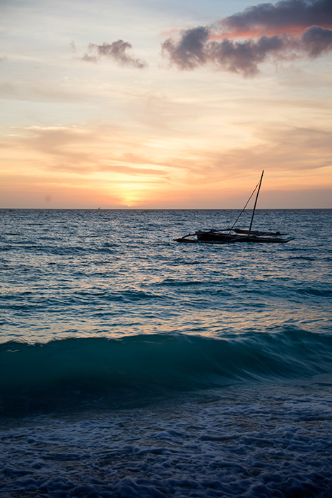 Solnedgång över Panga ya Watoro strand på Pemba