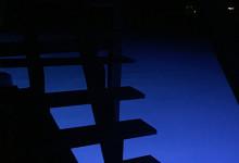 Trappan upp till taket i kvällsljus