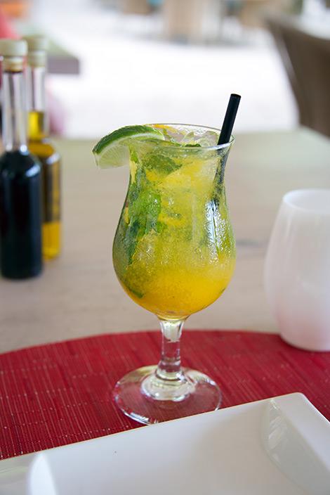 Drink på serveringen vid Sugar Beach, Saint Lucia