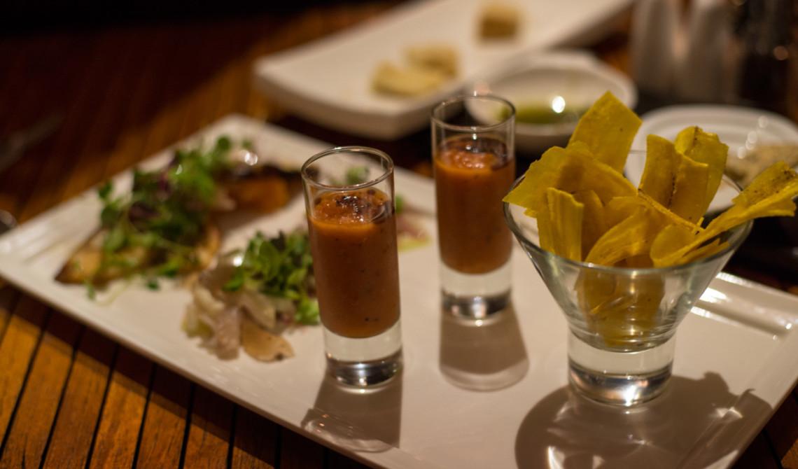 Förrätter serverade på Boucan Restaurant by Hotel Chocolat, Saint Lucia