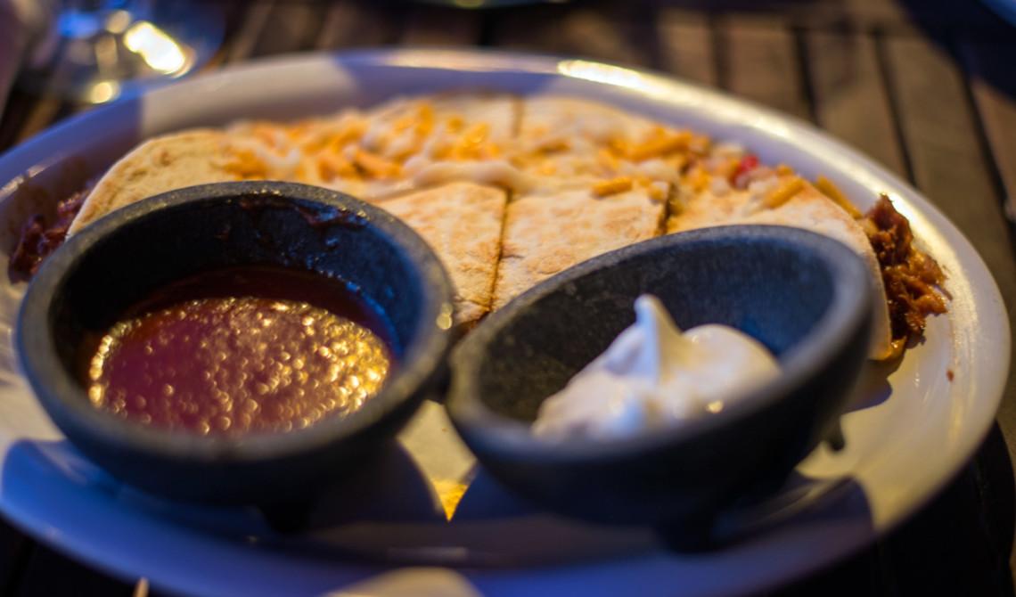 Quesadillas på Somewhere Café & Lounge, Turks & Caicos