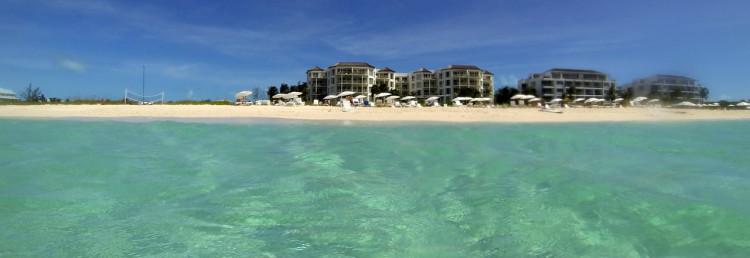 West Bay Club Resort sett från vattnet, Turks & Caicos