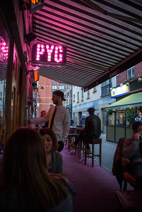 På uteserveringen till Pygmalion PYG Restaurant and Bar, Dublin