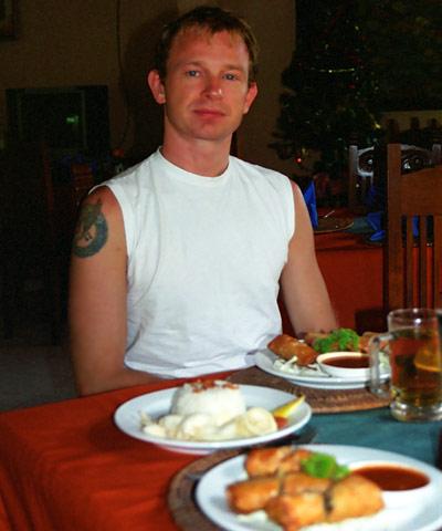 Lasse på  en restaurang i Sanur, Bali © 2002