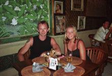 Lars och Anki tar lunch på Trophy i Sanur, Bali