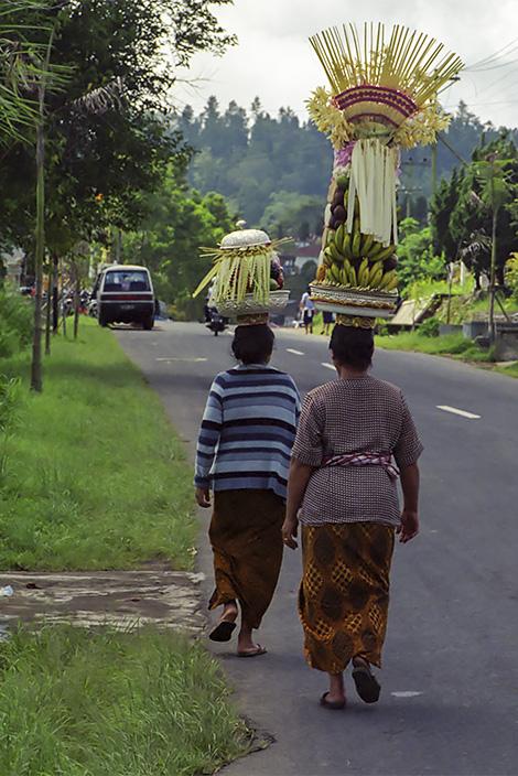 Frukt offer på juldagen, Bali