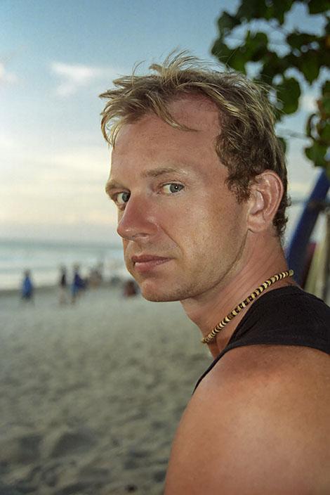 Lars på Kuta Beach vid solnedgång, Bali
