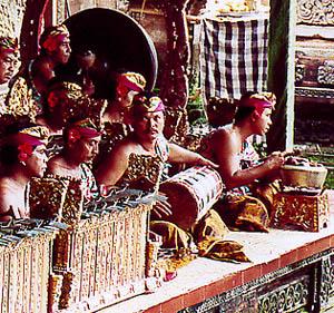 Balinesiska tongångar med orkester