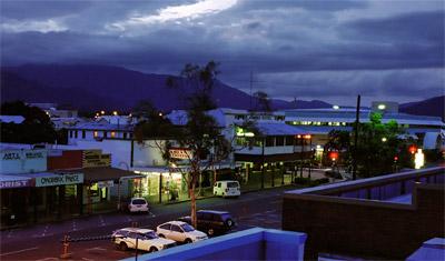 Utsikt från rummet på Central city backpackers i Cairns