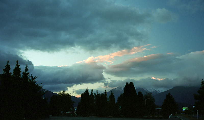 Vacker morgonvy på väg till Milford Sound