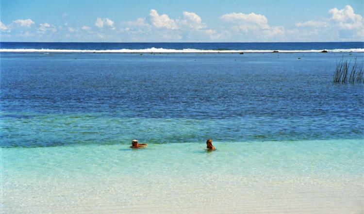 Ett dopp i söderhavet, vid Manase på Samoa