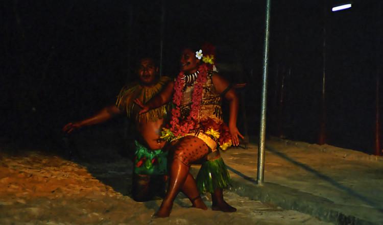 Fiafia söderhavsdans på Tanu Beach Fales, Samoa