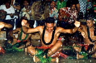 Tongansk dans i regn