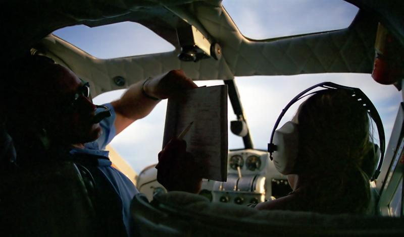 Anki är pilot för en kort stund, Turtle Airways Fiji