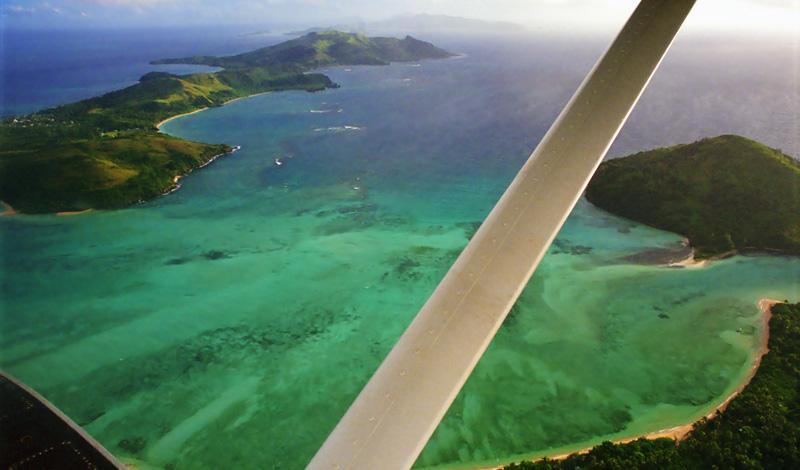 Vi lyfter med Pontonplan och flyger över Yasawa till Nadi, Fiji