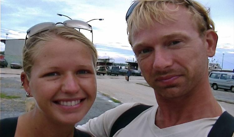 Anki och Lars tidig morgon i Nuku'alofa hamn, Tonga