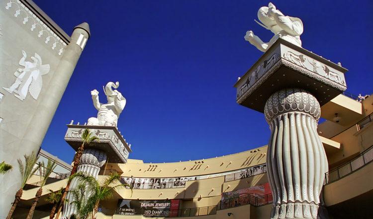 Elefant statyer, Hollywood & Highland