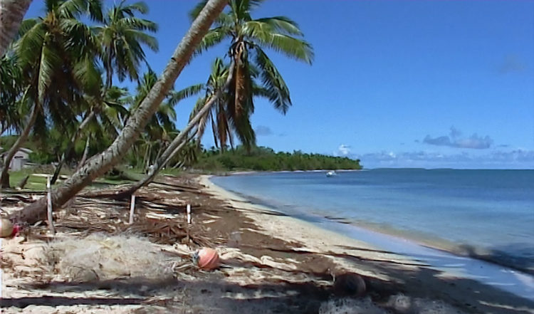 Felemea strand vy från byn, Uiha Tonga