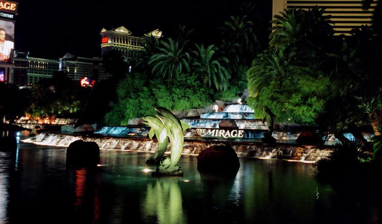 The Mirage pampiga framsida längs Las Vegas Strip