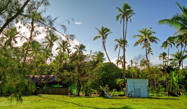 Matsal och badrum på Taianas Beach Resort, Tonga