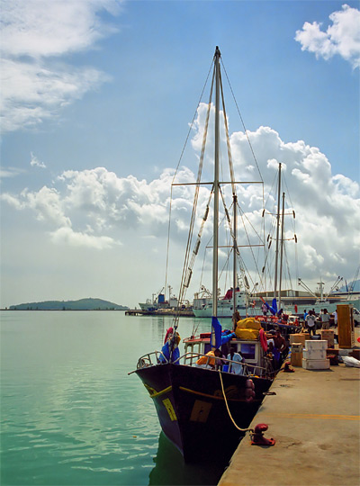 En skonare i Victorias hamn
