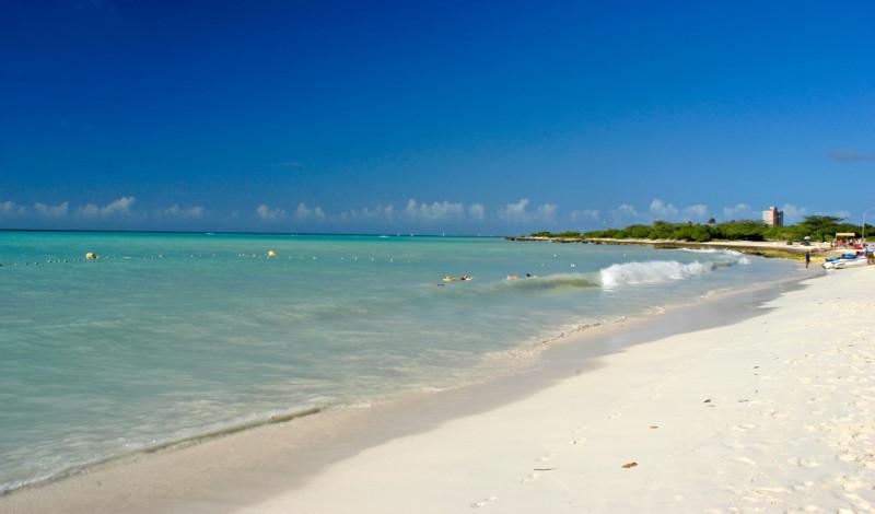 Skön eftermiddag på Eagle Beach, Aruba