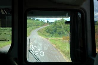 Genom bussfönstret