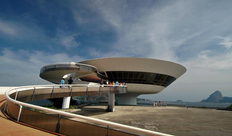 Museu de Arte Contemporanea, Niterói utanför Rio de Janeiro