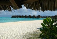 Vy från strandstolar på Vilu Reef