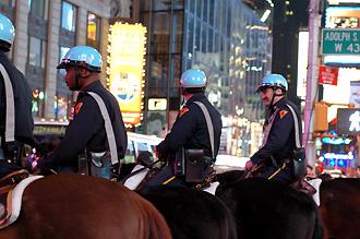 Ridande poliser på Times Square