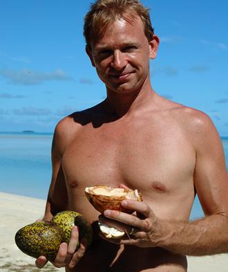 Lasse med kokosnötter och mango