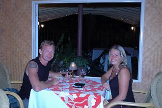 Lasse och Anki på Flame Tree Restaurant
