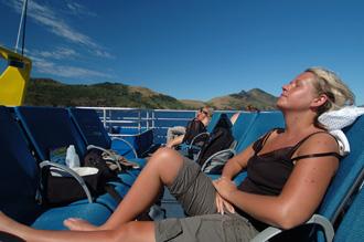 Anki njuter av båtresan