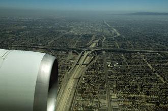 Flygvy, på väg att landa i Los Angeles