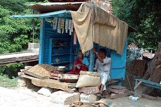 Gatuförsäljning på väg från Taj Mahal