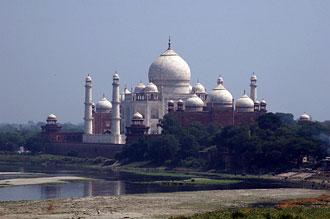Utsikt över Taj Mahal ifrån Red Fort