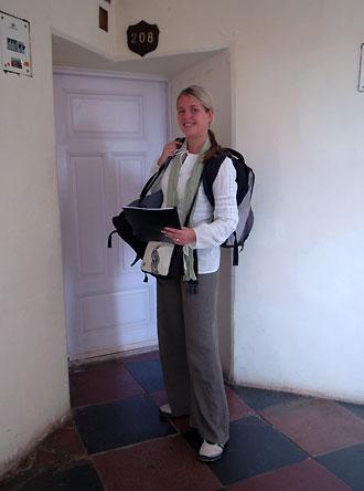 Anki på väg att checka ut från Sariska Palace