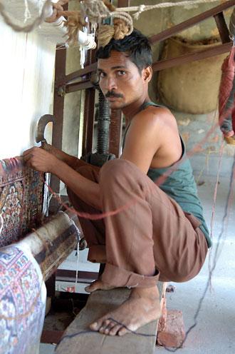 Mattvävare på Silk Road Bazaar